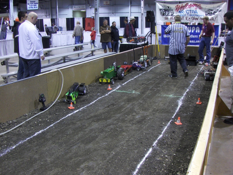 Tractor Pull at iHobby Expo