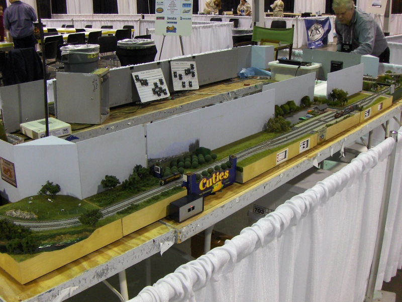 Train Layout 3 at iHobby Expo